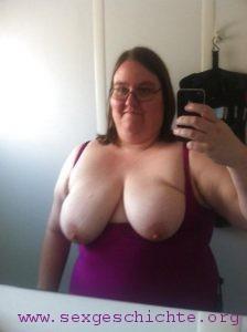 Meine Mutter mit riesen Brüsten